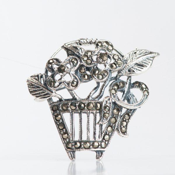 Brosa argint cos cu flori marcasite