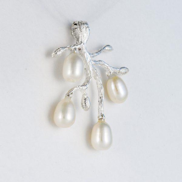 Pandantiv argint crenguta perle